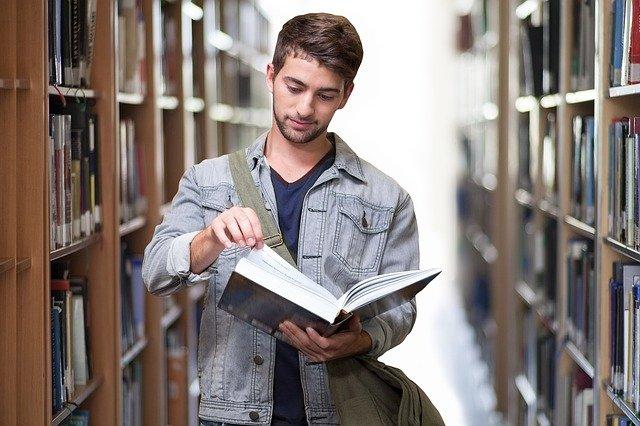 מכללה או אוניברסיטה